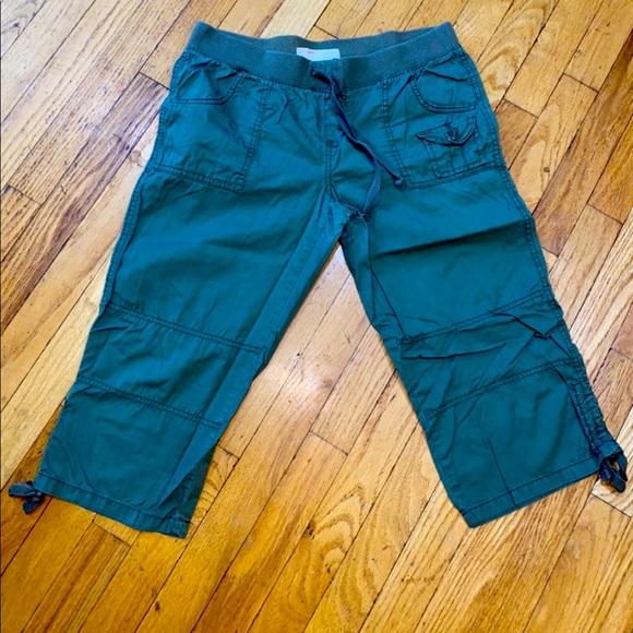 No Boundaries size 9 cropped pants green